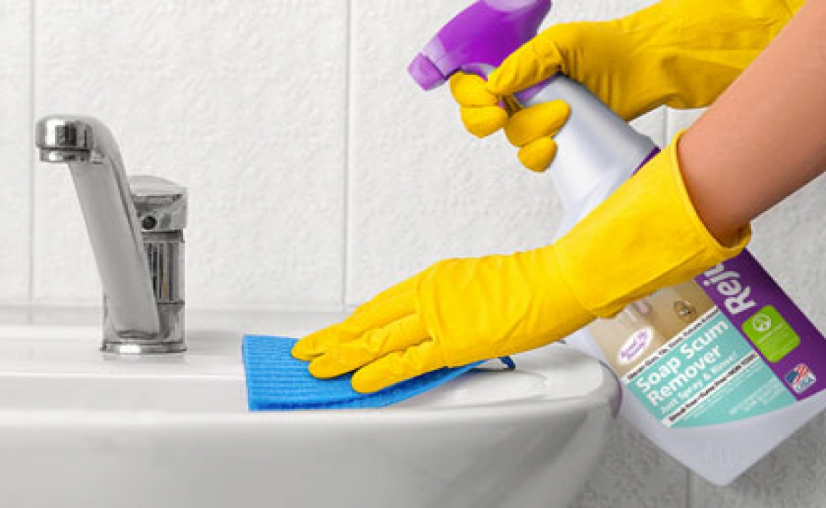 What Cleaning Products Should I Use To Clean My Bathroom?