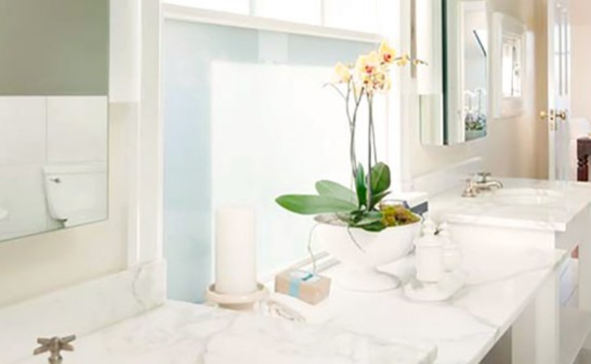 The Busy Mom's Guide To A Cleaner Bathroom In No Time