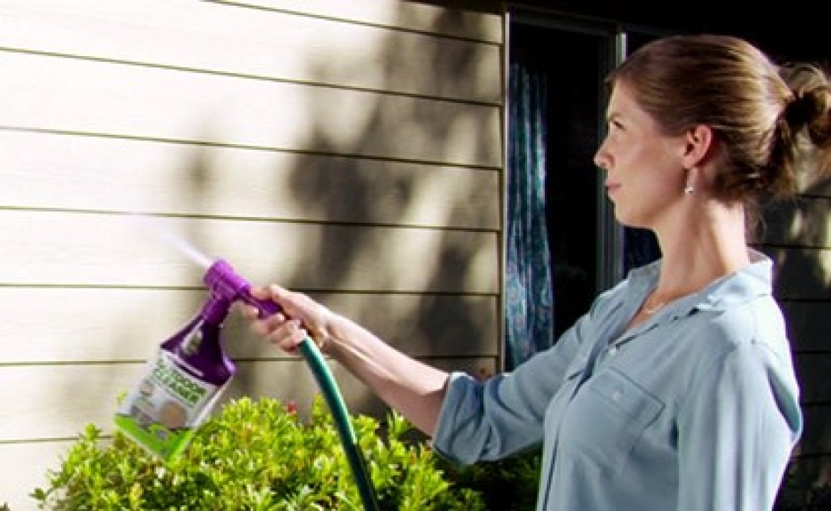 How to Wash Your House & Other Outdoor Cleaning Chores
